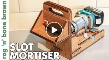 Slot Mortiser - handheld & cordless using the Makita trim router