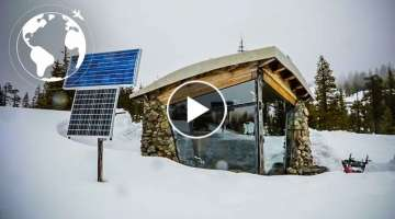 Snowboarding Pro Built a Sublime Off Grid Tiny House