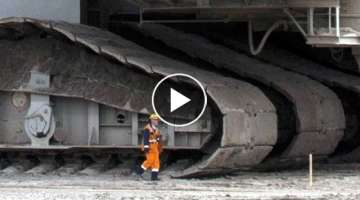 Big, Bigger, BIGGEST! 3 MASSIVE MACHINES that move! (World's biggest / largest ever built!)
