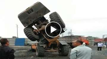 15 Dangerous IDIOTS Operator Incident Heavy Equipment Work - Dump Truck, Bulldozer, Excavator Fai...