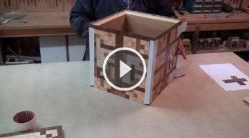 Minecraft Crafting Table - All in Wood - Assembling Mistake.