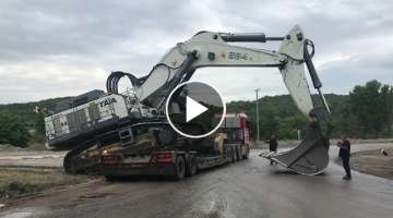 Transporting The 125 Tones Liebherr 984 By Side