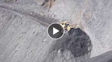 Cat D11 Extreme Earth Moving