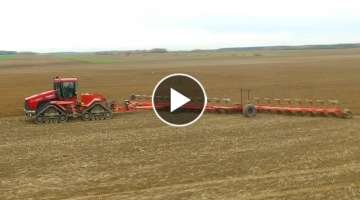 Case Quadtrac STX 530 PLOWING WITH THE LARGEST PLOW IN THE WORLD