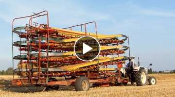 Baling and loading small bales | David Brown 885 | Kemper Ballenautomat Express BE 125