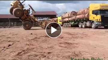 Awesome Operator | Old CATERPILLER | Small Shovel Big Logs