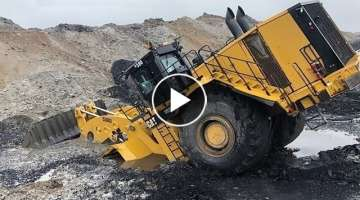 Incredible Extremely Dangerous Idiots Excavator Skills | L-2350 Largest Loader Power 2333 Horsepo...
