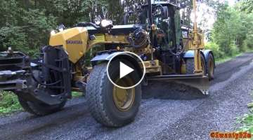 4K| MB Arocs, Volvo FMX 500 & CAT 140M3 Working On A Gravel Road