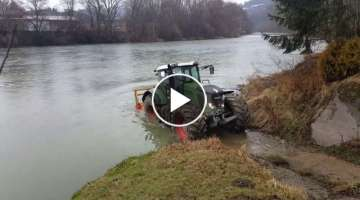 Fendt 936 on ORAVA river