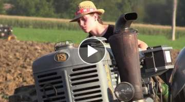 Girl on tractor | Chiara start up & plowing hot bulb Landini L55 'testa calda'
