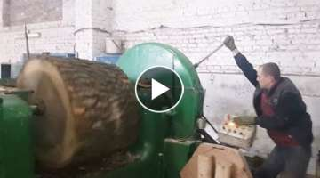 Extreme Fast Wood Veneer Peeling Machine - Amazing Modern Woodworking Plywood Machinery