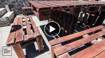 Outdoor Pallet Table and Benches