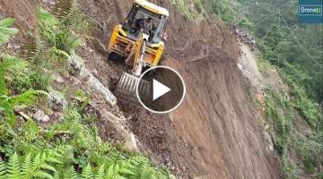 Massive Landslide-JCB Backhoe Loader-Opening Hilly Road for Villagers